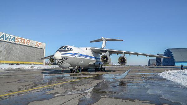 Тяжелый транспортный самолет Ил-76МД-90А