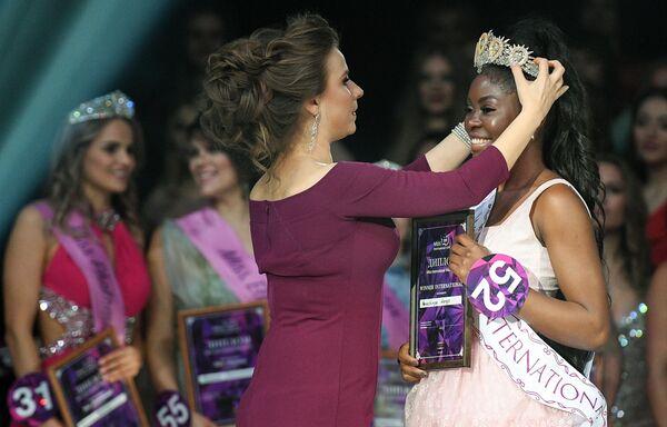 Победительница конкурса красоты Miss International Mini 2019 Пеношинге Ханго