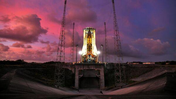 Ракета-носитель Союз-СТ с разгонным блоком Фрегат на стартовом столе космодрома Куру