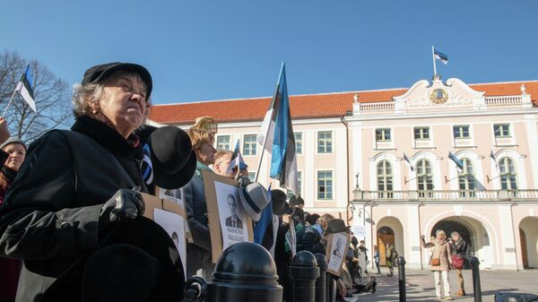 Акция протеста против нового правительства у здания парламента Эстонии в Таллине. 4 апреля 2019