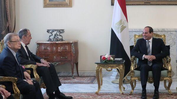 Глава МИД РФ Сергей Лавров и президент Египта Абдель Фаттах ас-Сиси на встрече в Каире. 6 апреля 2019