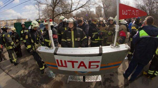 Тушение пожара в подземном гараже на Ленинградском проспекте в Москве. 7 апреля 2019