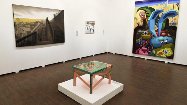 Лоты аукциона Vladey в одном из залов Московского музея современного искусства