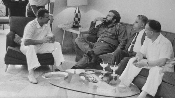 Юрий Гагарин в гостях у премьер-министра Кубы Фиделя Кастро на Кубе