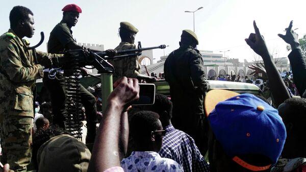 Армия Судана назвала условие для досрочной передачи власти гражданским