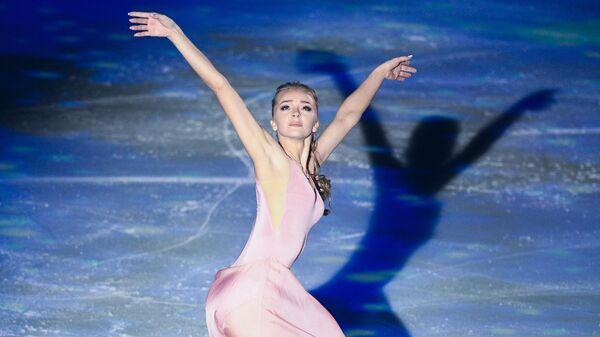 Фигуристка Александра Степанова выступает в гала-шоу Ильи Авербуха 15 лет успеха