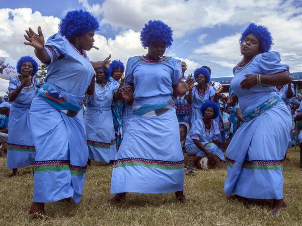 Сторонники Демократической прогрессивной партии Малави во время официального запуска избирательной кампании