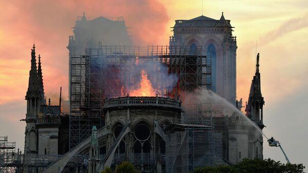 """""""Зенит"""" глубоко огорчен пожаром в соборе Парижской Богоматери"""