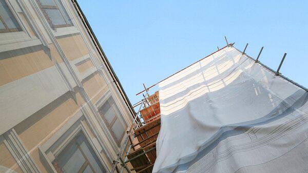 Исторический фасад здания дворянской усадьбы полководцев Каменских на Смоленском бульваре в Москве