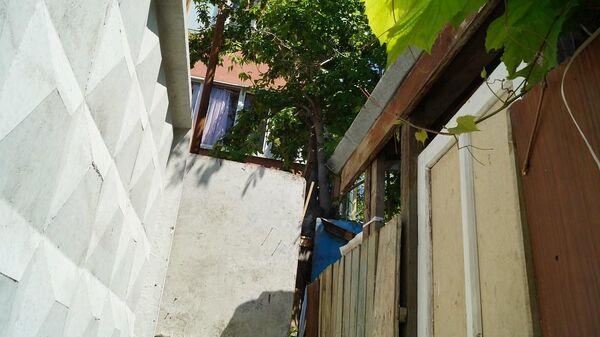 Замурованная дверь в дом Симоновых