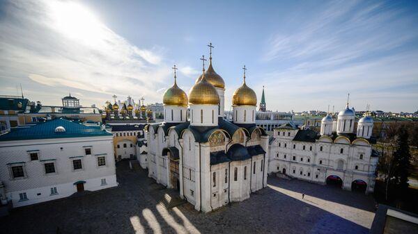 Вид с Колокольни Ивана Великого на Соборную Площадь Московского Кремля