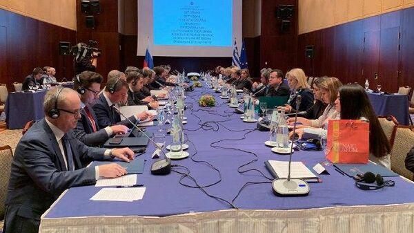 Заседание межправительственной комиссии России и Греции в Салониках с участием главы Минтранса РФ Евгения Дитриха