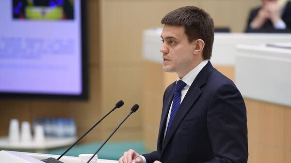 Министр науки и высшего образования Российской Федерации Михаил Котюков выступает на заседании Совета Федерации РФ. 22 апреля 2019