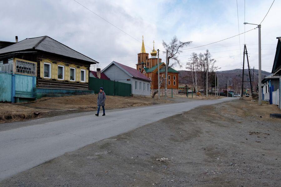Все дома за редким исключением в поселке Култук выстроены еще в прошлом веке