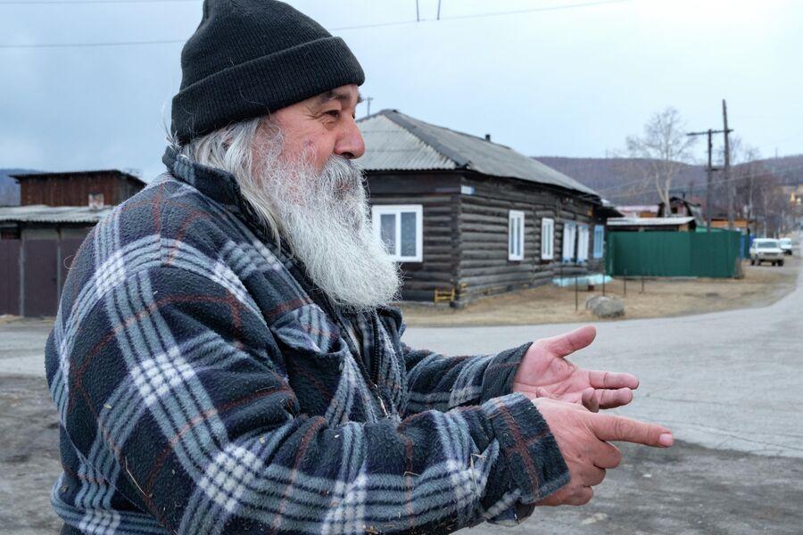Житель поселка Култук Николай Лупынин