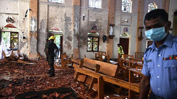 На месте взрыва в церкви Святого Себастьяна в Негомбо,  Шри-Ланка. 22 апреля 2019