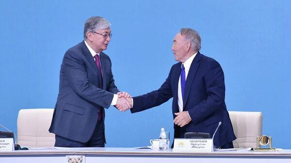 Экс-президент Казахстана Нурсултан Назарбаев и действующий президент Казахстана Касым-Жомарт Токаев