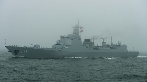 Китайский корабль на военом параде в Циндао. 23 апреля 2019