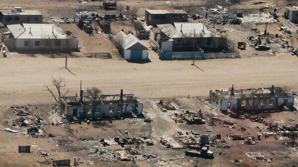 Дома в поселке Усть-Ималка Ононского района Забайкальского края, разрушенные после степных пожаров 19 апреля 2019