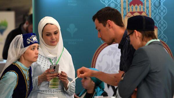 На Международной выставке Russia Halal Expo, проходящей в рамках X Международного экономического саммита Россия — Исламский мир: KazanSummit в Казани. 24 апреля 2019