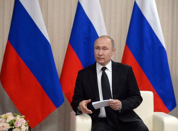 Президент РФ Владимир Путин во время встречи с председателем Госсовета Корейской Народно-Демократической Республики Ким Чен Ыном