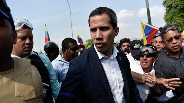 Лидер оппозиции Хуан Гуаидо, провозгласивший себя временным президентом Венесуэлы