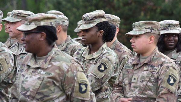 Американские военнослужащие во время ротации подразделений по подготовке военнослужащих Украины
