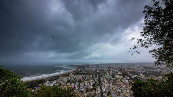 Циклон Фани у побережья Индии. 1 мая 2019