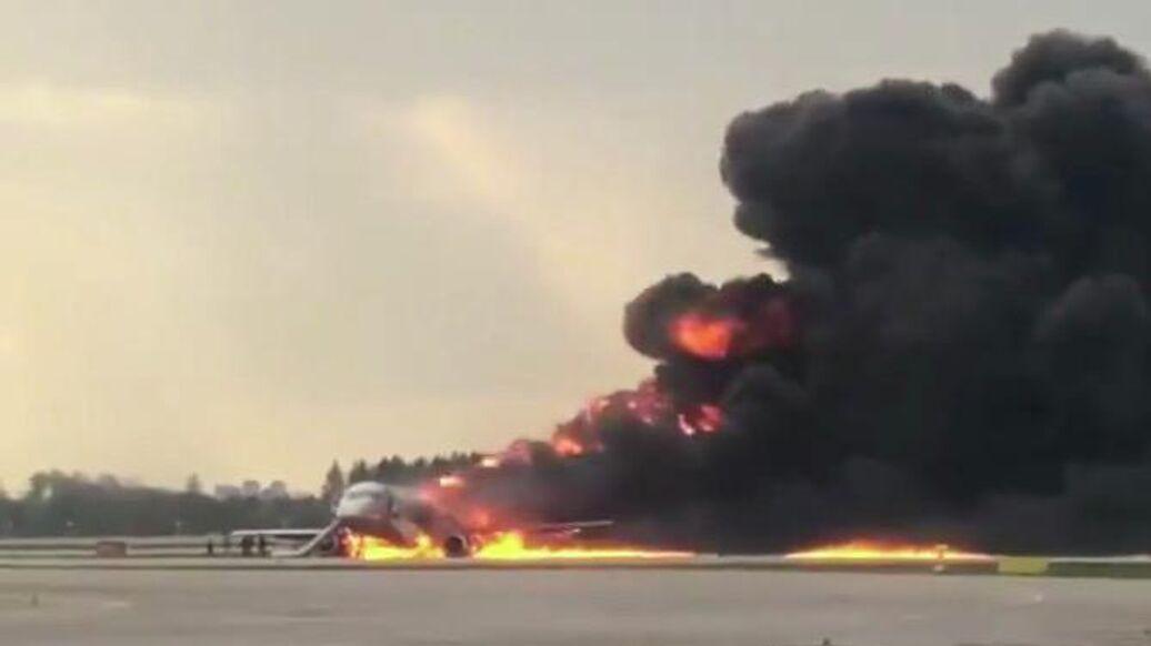 СК возбудил уголовное дело после возгорания самолета в Шереметьево