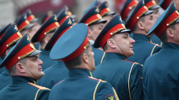 Военнослужащие на военном параде на Красной площади, посвященном 74-й годовщине Победы в Великой Отечественной войне