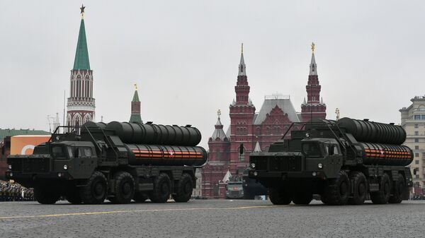 Транспортно-пусковая установка зенитного ракетного комплекса С-400 Триумф на военном параде на Красной площади, посвящённом 74-й годовщине Победы в Великой Отечественной войне