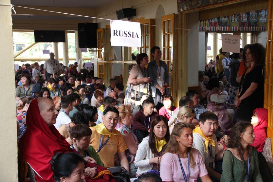 Российские паломники на духовных учениях Далай-ламы в Дхарамсале, Индия