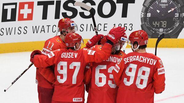 Хоккеисты сборной России Евгений Малкин, Никита Гусев, Евгений Дадонов и  Михаил Сергачёв
