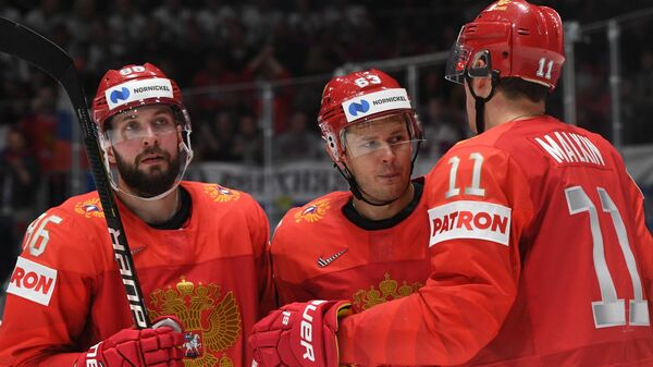 Хоккеисты сборной России Никита Кучеров, Евгений Дадонов и Евгений Малкин