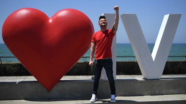 Российский участник конкурса Евровидение - 2019 певец Сергей Лазарев во время прогулки в порту Тель-Авива