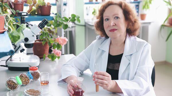 Ирина Юркова в лаборатории КФУ им. В. И. Вернадского