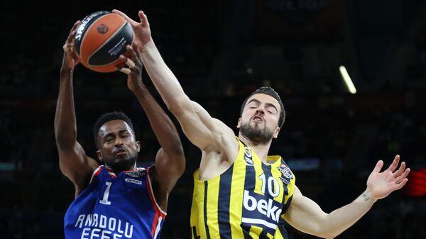 Баскетбол. Финал четырех. Матч Фенербахче - Анадолу Эфес