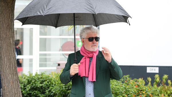 Режиссер Педро Альмодовар на фотосесии фильма Боль и слава (Dolor y gloria) в рамках 72-го Каннского международного кинофестиваля