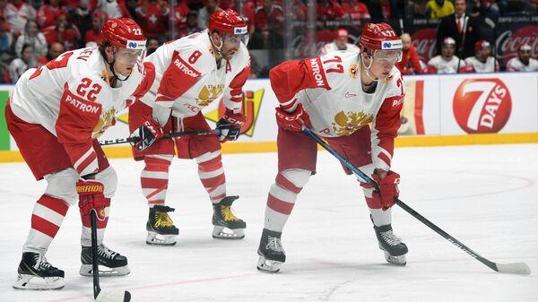 Никита Зайцев, Александр Овечкин и Кирилл Капризов (слева направо)