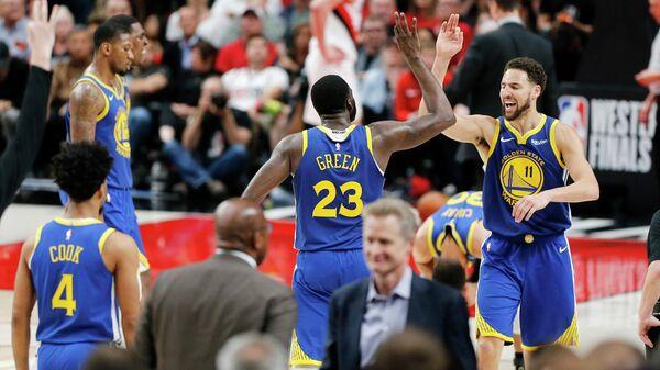 БаскетболистыГолден Стэйт