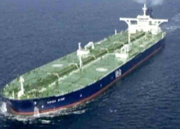 Пираты поставили рекорд: захвачено самое большое судно