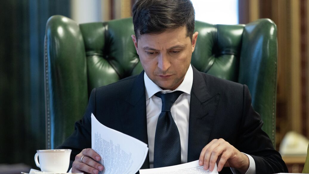 Петиция об отставке Зеленского набрала необходимые для рассмотрения голоса