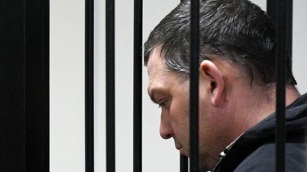Экс-директор фабрики Меньшевик Илья Аверьянов в суде