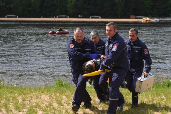 Подготовка спасателей к купальному сезону