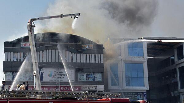 При пожаре в торговом центре в Индии погибли 15 человек