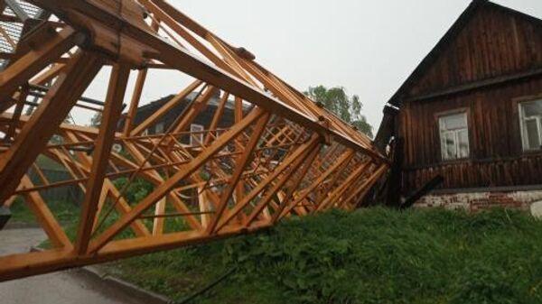 Падение строительного крана в Дзержинском районе Перми. 27 мая 2019