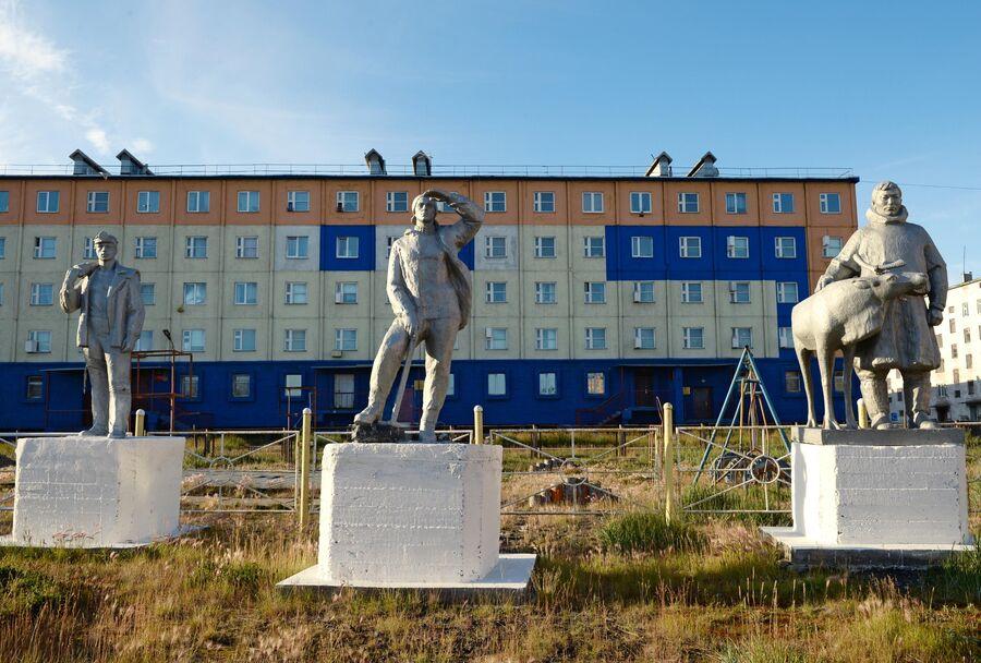 Скульптура в городе Певек