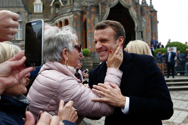 Президент Франции Эммануэль Макрон на встрече со своими сторонниками на севере Франции