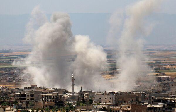Дым от взрывов в провинции Идлиб