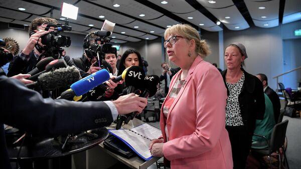 Заместитель главного прокурора Швеции Ева-Мари Перссон во время пресс-конференции после объявления о том, что прокурор возобновит предварительное расследование в отношении основателя WikiLeaks Джулиана Ассанжа